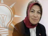 Belediyeden maaş alan ama ne iş yaptığı belli olmayan AK Partili Kadın Kolları Başkanı istifa etti