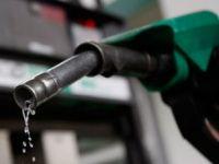 Benzine 2015'in İlk Zammı Geldi